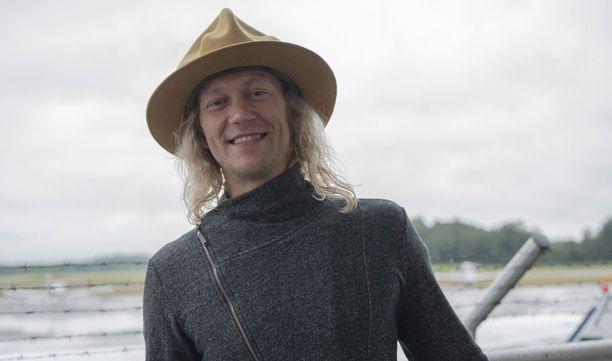 Jukka erosi tämän vuoden puolella pitkäaikaisesta puolisostaan Outista.