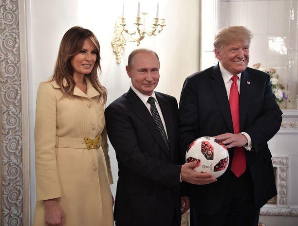 Putin toi esiin Venäjän jalkapallon MM-kisojen isännyyttä myös Helsingissä.