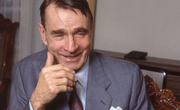 Kuvassa Mauno Koivisto Presidentinlinnassa vuonna 1988.
