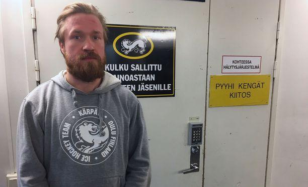 Kärppien Jari Sailio on SM-liigan pudotuspelien kaikkien aikojen jäähykuningas. Miehen saldo 108:ssa ottelussa on 179 rangaistusminuuttia.