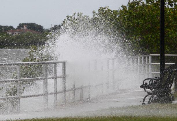 Tampa Bay sai osansa Alberto-myrskystä.