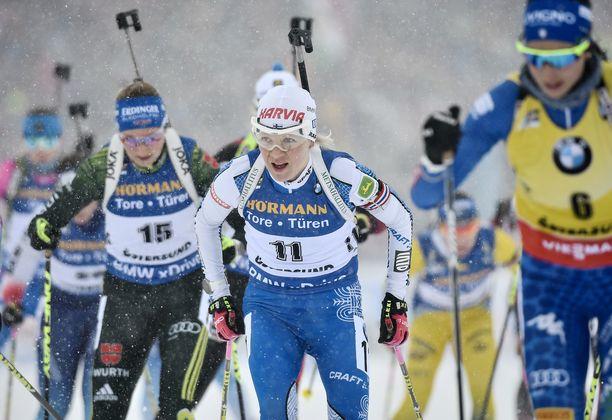 Kaisa Mäkäräinen oli sunnuntaina Östersundin MM-kisojen yhteislähdössä sijalla 23.