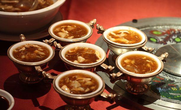 Haineväkeitto on arvostettu herkku kiinalaisessa keittiössä.