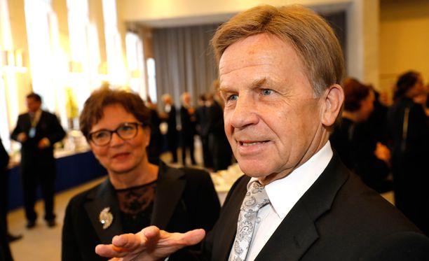 Valtiopäivien avajaisiin torstaina osallistunut Mauri Pekkarinen (kesk) arvioi, että Trumpin kaavailemat viennin esteet olisivat hyvin haitallisia myös Suomelle.