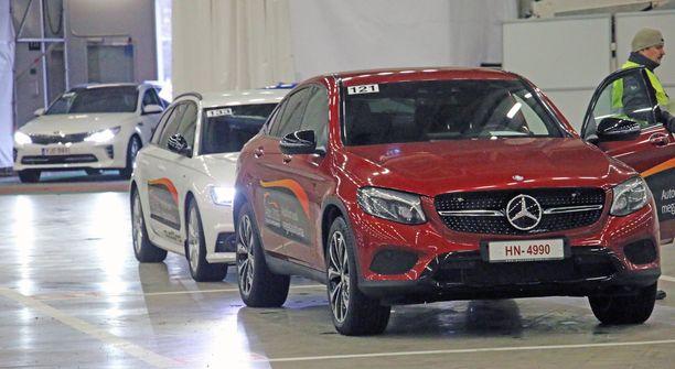 Uusien autojen koeajot kiinnostivat vuonna 2016. Nyt autoja on vielä enemmän tarjolla ajoon.