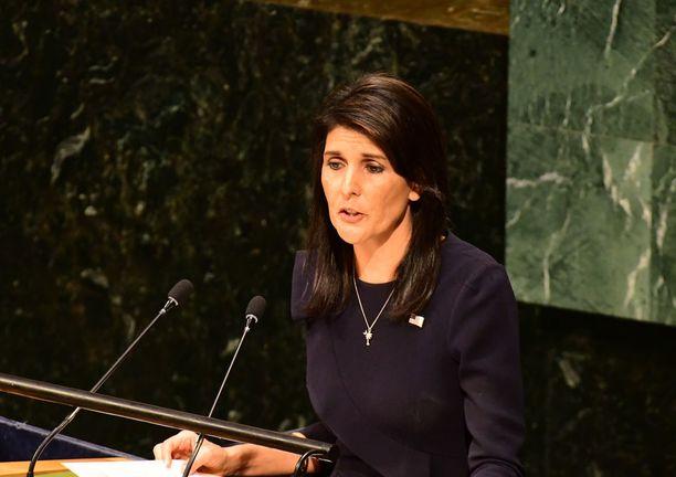 Etelä-Carolinan entinen kuvernööri Nikki Haley on USA:n nykyinen YK-suurlähettiläs ja yksi harvoista naisista Trumpin kabinetissa.