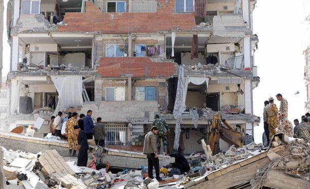Tuhoutunut kerrostalo Pole-Zahabissa Iranissa.