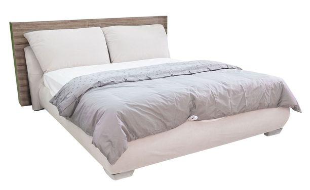 Sänkyyn oltiin valmiita satsaamaan iso raha.
