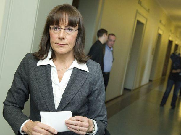 Pirkko Ruohonen-Lernerin mielestä mopo alkaa karata joidenkin presidenttiehdokkaiden käsistä.