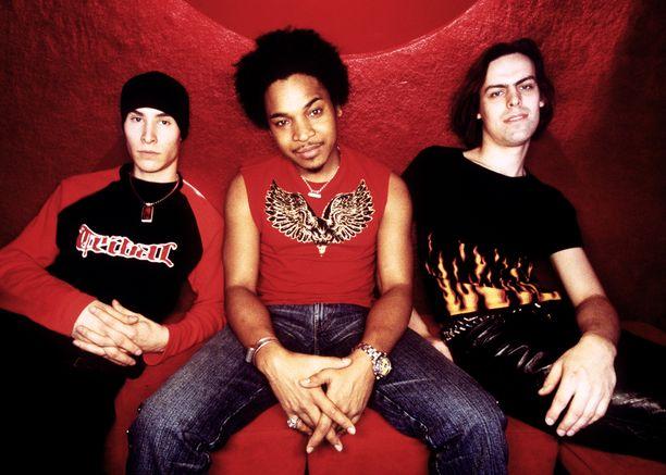 Tältä yhtye näytti vuonna 2003.