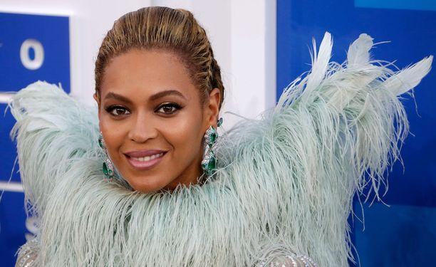 Popin kuningattaren Beyoncén musiikki kuuluu polttareihin.