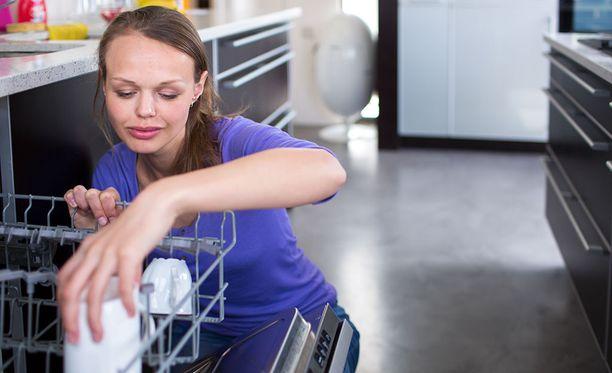 Yleinen väärinkäsitys on, että nopea ohjelma käyttää vähemmän vettä ja energiaa, koska pesuaika lyhenee.