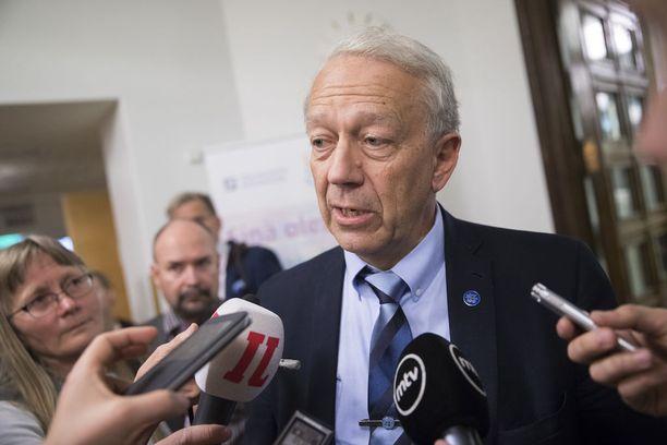 Pekka Puska eduskunnassa toukokuun lopulla.