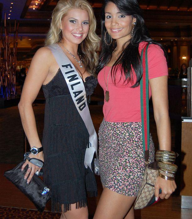 Miss Suomen viereen oli tunkua.