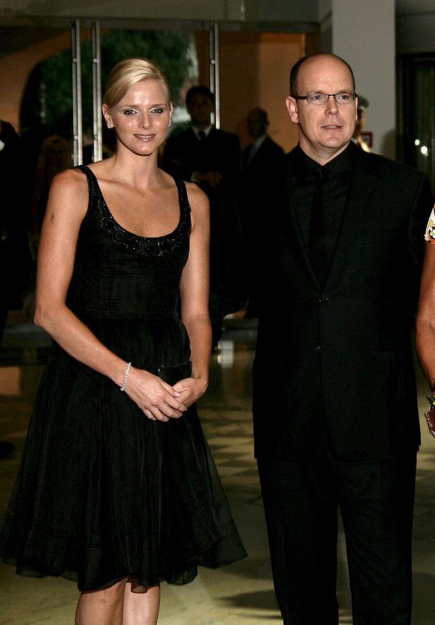 Jo ennen kihlautumista Charlene edusti ruhtinaansa rinnalla. Kuva vuodelta 2007.