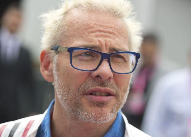 Jacques Villeneuve antoi Lance Strollin kuulla kunniansa.