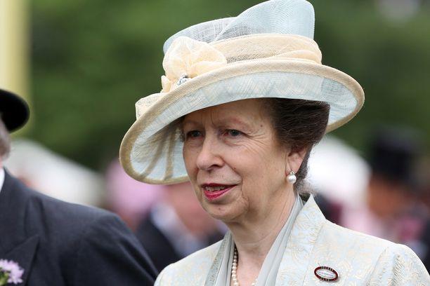 Prinsessa Anne kuvattiin poikkeuksellisen kotoisissa tunnelmissa.