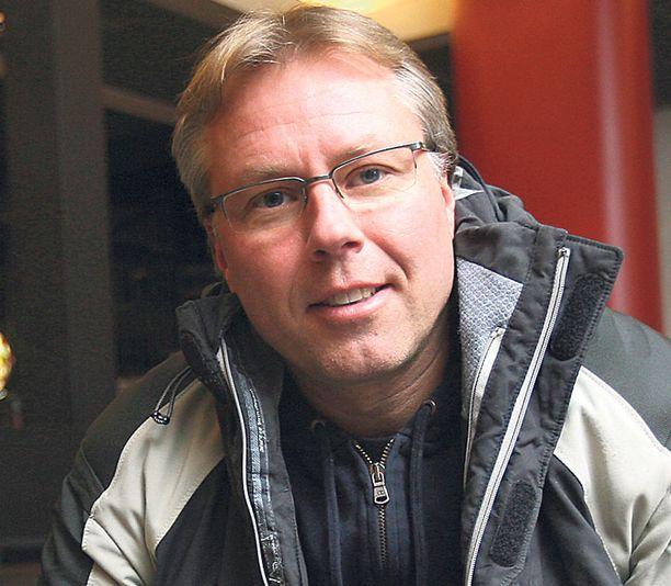 EPÄILTY Jyrki Järvilehto epäillään joukosta rikoksia riippuen siitä, oliko hän veneen kuljettaja vai matkustaja.