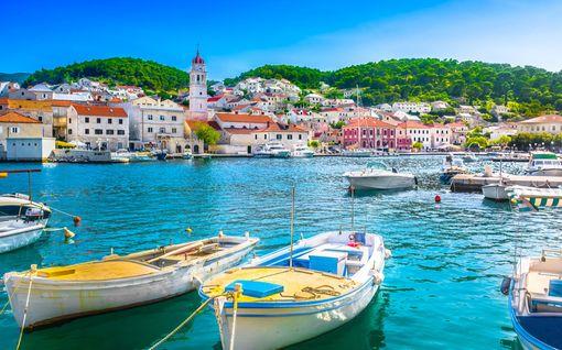 Kaupallinen yhteistyö Rantapallo: Näin löydät halvat lennot Balkanin-suosikkeihin – lennot Kroatiaan alkaen 95 €