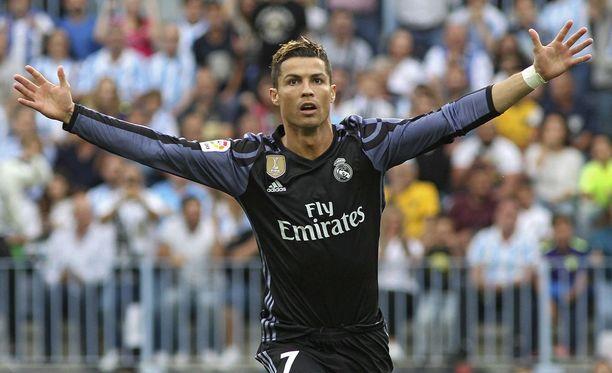 Cristiano Ronaldo piti Real Madridin mestaruusjunan raiteillaan.