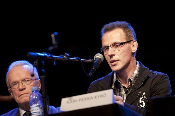 Kari-Pekka Kyrö vaatii radikaaleja toimia hiihdon pelastamiseksi.
