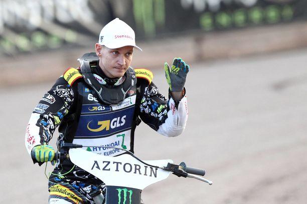 33-vuotias Fredrik Lindgren ajaa speedwayta Puolassa, Ruotissa ja Iso-Britanniassa.