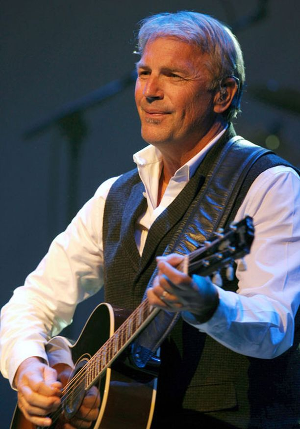 Costner esiintyy illalla Helsingin Jäähallissa. Kuva viikon takaa Madridista.