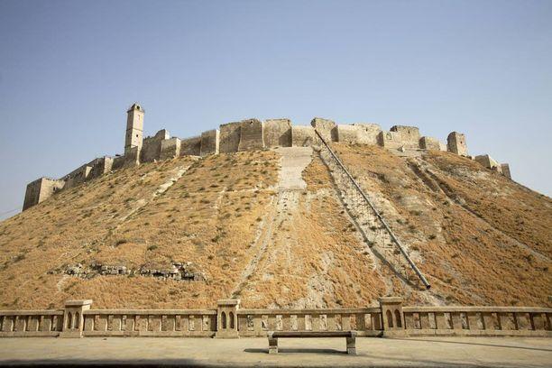 Aleppon linnanmuurit kuvattuina vuonna 2005.