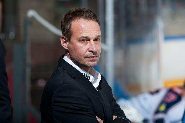 Jarmo Myllys teki kaksi maalia pelatessaan Ruotsin Elitserienissä.