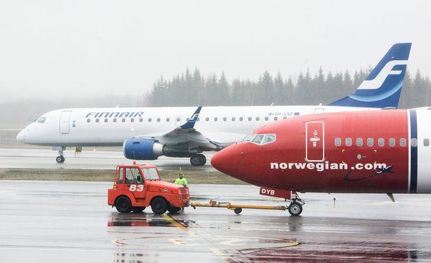 Norwegianin koneissa oli lauantaina huonoa tuuria.