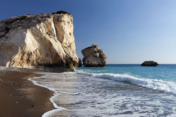 Kypros tarjoaa kauneutta ja aurinkoa Välimerellä.