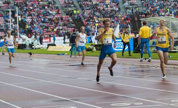 Ruotsi murjoi suomalaismiehet 400 metrin aidoissa.