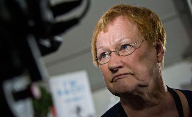 Halonen kommentoi Porin Suomi-areenassa Viinaseen kohdistuvia epäilyjä.