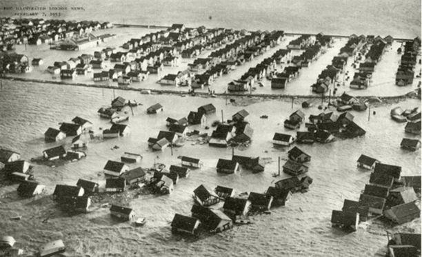 Jaywickin pahassa tulvassa vuonna 1953 kuoli 37 ihmistä.