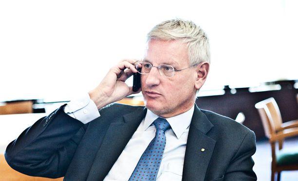 Entinen ulkoministeri Carl Bildt hämmästeli Trumpin kommenttia sosiaalisessa mediassa.