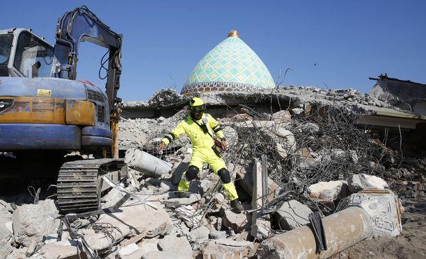 Edellinen järistys kuun alussa romahdutti moskeijan.