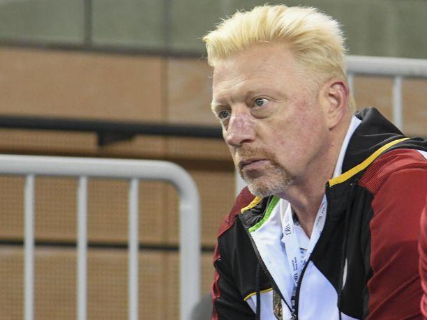 Boris Becker arvioi pelaajien lisäksi myös tuomarin ulkonäköä Yhdysvaltojen avoimissa.