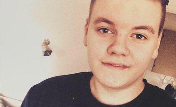 Elmeri Putkonen, 18, opiskelee musiikkiteknologiaa ja tekee musiikkia freelancerina.