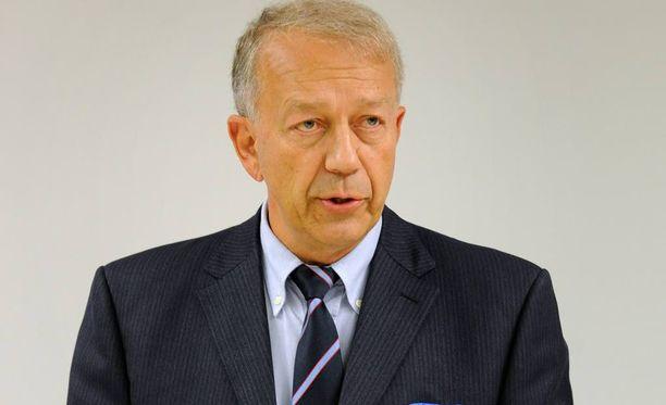 THL:n entinen pääjohtaja Pekka Puska ei ole alkoholiuudistuksen kannalla.