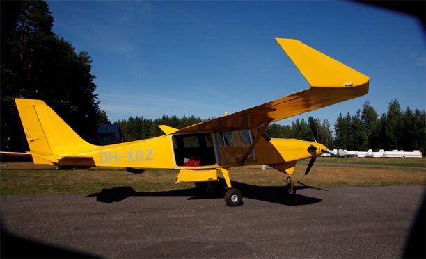 Sunnuntaina lentoturmassa tuhoutunut Comp Air 8-kone lensi aiemmin myös Lopen Räyskälässä, mutta ympäristölupaongelmien vuoksi kone siirtyi muualle.