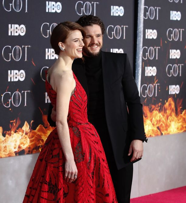 Kit Harington ja Rose Leslie rakastuivat Game of Thronesin kuvauksissa.