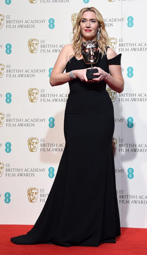 Kate Winslet poseerasi pystinsä kanssa.