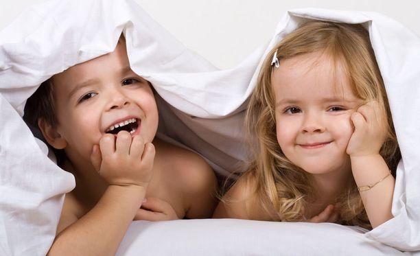Lapsilla on varastossaan melkoinen valikoima keinoja, joilla he kokeilevat nukkumaanmenon viivästyttämistä.