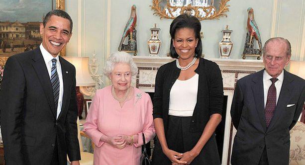 Yhdysvaltojen presidentti Barack Obama, kunigatar Elisabet, Michelle Obama ja prinssi Philip.