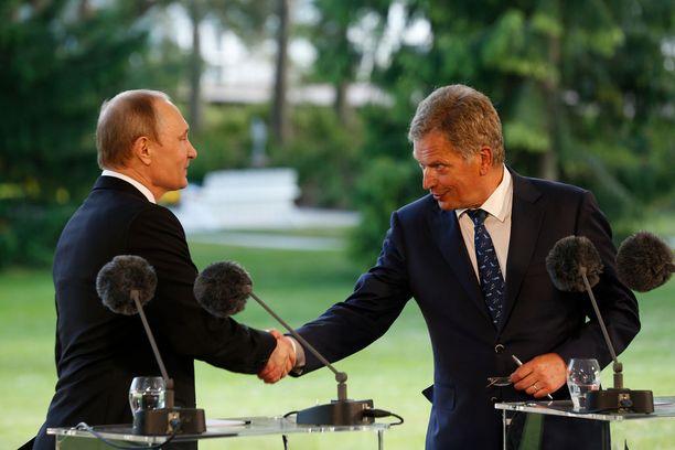 Vladimir Putin ja Sauli Niinistö Naantalin Kultarannassa viime kesänä.