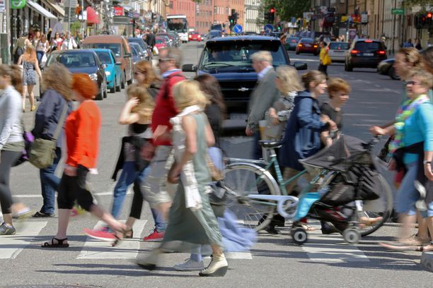 Unissa saattaa esiintyä ihmisiä, joiden ohi olet kävellyt kadulla.