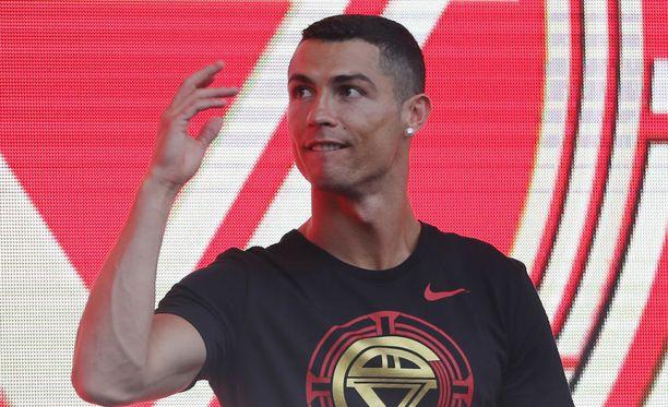 Cristiano Ronaldo kuittaa vankilatuomion 19 miljoonan euron sakoilla.