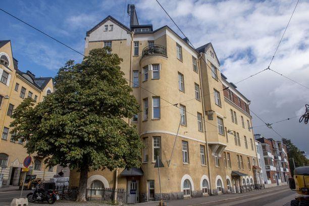 Pääkaupunkiseudulla hinnat kohosivat vuosineljänneksellä 6,5 prosenttia. Kuvan talo Helsingin Katajannokalta.