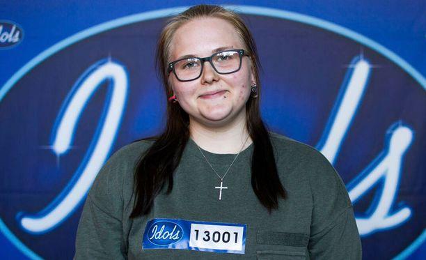 Jenna Vidlundin itse kirjoittamat räpit ovat etenkin Antti Tuiskun mieleen.