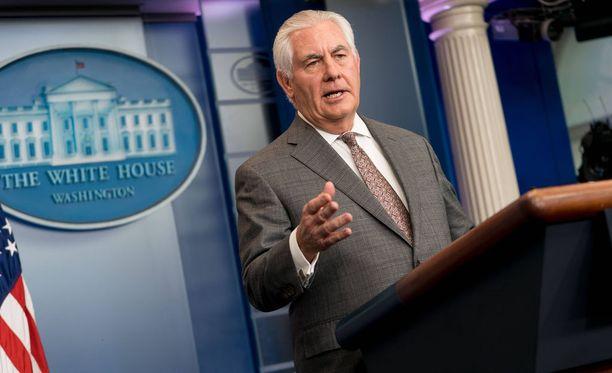 Trumpin ja Tillersonin välit ovat viilentyneet jo pitkään. NBC Newsin mukaan ulkoministeri Tillerson kutsui kesällä presidentti Trumpia ääliöksi. Tillerson ei ole kiistänyt tapausta.